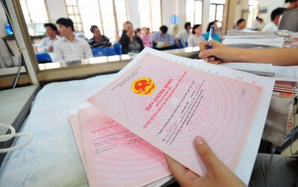 Cần chuẩn bị và nộp hồ sơ giải chấp sổ đỏ cho cơ quan chức năng